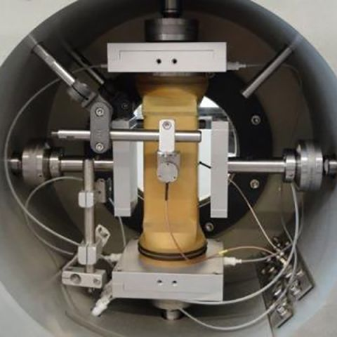 true-triaxial-testing-cell-with-sample.jpg